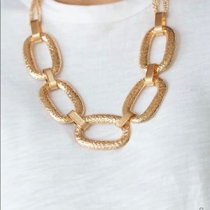 Paparazzi gold chin link statement necklace